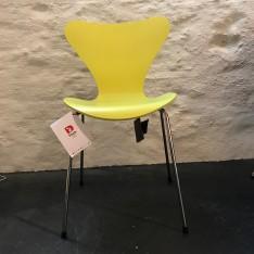 FRITZ HANSEN SERIES 7 STOEL GEEL GEKLEURD ESSEN