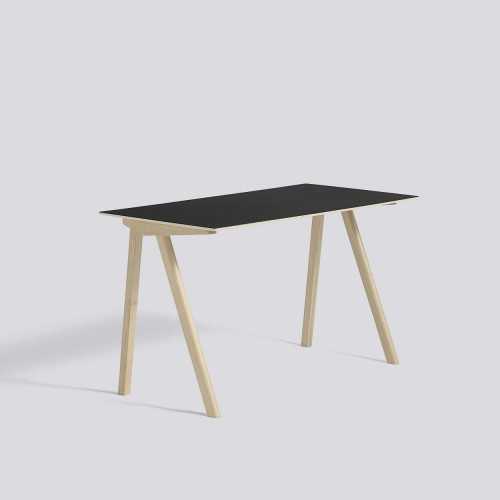 CPH90 DESK MATT LACQUERED OAK FRAME