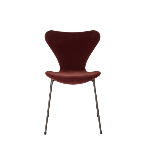 SERIES 7 CHAIR VELVET