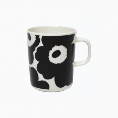 OIVA/UNIKKO MUG 2.5DL BLACK/WHITE
